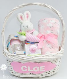 Regalo Baby Shower, Idee Baby Shower, Baby Shower Gift Basket, Shower Bebe, Baby Shower Parties, Baby Boy Shower, Baby Shower Gifts, Baby Girl Gift Baskets, Baby Gift Hampers