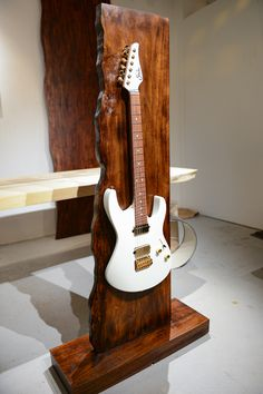 Doro Designs live edge guitar stand