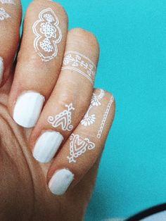 These White Henna Inspired Temporary Tattoos Are Gorgeous. These White Henna Inspired Temporary Tattoos Are Gorgeous. These White Henna Inspired Temporary Tattoos Are Gorgeous. Henna Body Art, Henna Art, Body Art Tattoos, Cool Tattoos, Henna Tattoos, Finger Tattoos, Fake Tattoo, Temp Tattoo, Temporary Tattoo