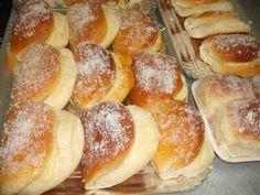 Essa receitinha maravilhosa ganhei da minha amiga Cida de Governador Valadares, profissional em pães (abaixo a foto dos pãezinhos feitos po...