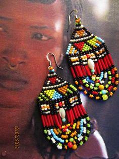Sarah, la guerrière Massai : Boucles d'oreille par kokopelli