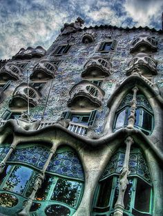 "Casa Batlló is a building restored by Antoni Gaudí and Josep Maria Jujol, built in 1877 and remodelled in the years 1904–1906; located at 43, Passeig de Gràcia (passeig is Catalan for promenade or avenue), part of the Illa de la Discòrdia (the ""Block of Discord"") in the Eixample district of Barcelona, Spain. http://en.wikipedia.org/wiki/Casa_Batll%C3%B3"