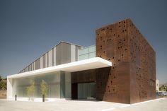 Edificio Bionand / Planho                                                                                                                                                                                 Mais