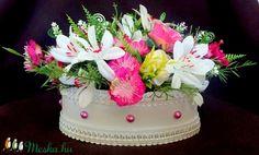 Vintage virágbox élethű virágokkal (KÉSZTERMÉK) (pinkrose) - Meska.hu Vintage, Cake, Desserts, Food, Pie Cake, Tailgate Desserts, Pie, Deserts, Cakes