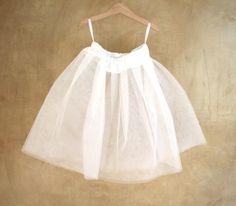Tulle petticoat in white for girls, pettyskirt for romantic girls by PABUITA #italiasmartteam #etsy