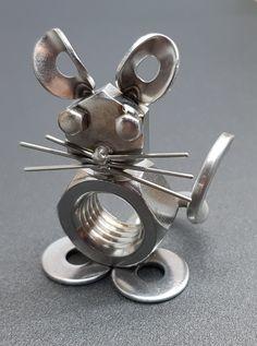 Welding Crafts, Welding Art Projects, Metal Art Projects, Junk Metal Art, Metal Garden Art, Scrap Metal Art, Tin Can Crafts, Metal Crafts, Metal Sculpture Artists