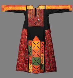 Palestinian Embroidery via Le Blog d'Artequite.