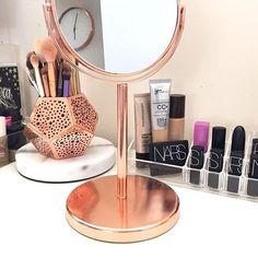 Roll top desk makeover- By Chelsea Lloyd Vanity, Makeup Station, Upcycling, DIY… Makeup Desk, Makeup Rooms, Skin Makeup, Beauty Makeup, Tocador Vanity, Rangement Makeup, Rose Gold Decor, Make Up Storage, Desk Makeover