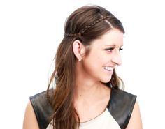 Tired of your typical rainy day hairstyles? These six hairstyles for rain are so cute, you'll wear them even when it's not a rainy hair day. Rainy Day Hairstyles, Easy Hairstyles For Long Hair, Headband Hairstyles, Down Hairstyles, Braided Hairstyles, Pretty Hairstyles, Braid Styles, Short Hair Styles, Pretty Braids