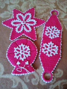 This Pin was discovered by HUZ Rajasthani Mehndi Designs, Diy And Crafts, Crochet Earrings, Christmas Ornaments, Knitting, Holiday Decor, Pattern, Youtube, Crochet Shawl