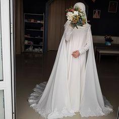 Ассаляму аляйкум Какая то у нас тишинаааа(((( Есть тут ктооо? Bridal Hijab, Muslim Wedding Dresses, Muslim Brides, Muslim Dress, Hijab Dress, Bridal Dresses, Wedding Gowns, Engagement Dresses, Dream Dress