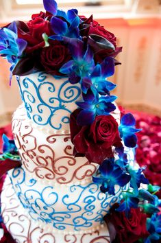 wedding cakes blue wedding colors blue and wine Blue Red Wedding, Beach Wedding Colors, Maroon Wedding, July Wedding, Red Wedding Flowers, Sister Wedding, Blue Flowers, Wedding Bells, Wedding Anniversary