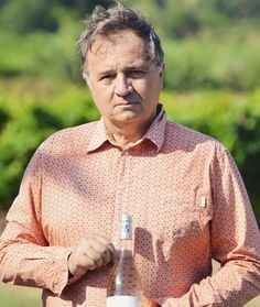 Meet @henri_orenga_de_gaffory of Domaine Orenga de Gaffory. His Cuvee Felice 2015 was one of the wines included in Brenda McMillans article This is an Expose (September 2016 issue). Wines from Corsica aka Corse and lile de Beaute are distinctly different she writes. I was impressed by their concentration and quality and excitedly smitten by their unique flavours and aromas. Corsican wines are Frances best-kept secret. But no longer. Heres her review of Domaine Orenga de Gaffory Cuvee Felice…
