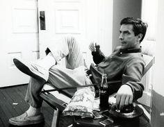 John Cassavetes on the set of Roman Polanski's Rosemary's Baby 1968 Nerd Boyfriend, Ivy Look, John Cassavetes, Rosemary's Baby, Inspirational Movies, Intelligent Women, Roman Polanski, Photographs Of People, Guy Pictures