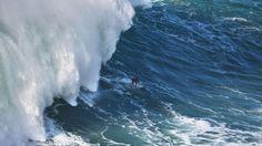 Maior onda do mundo atrai turistas à Nazaré há cinco anos – Observador | Biggest wave in Nazaré