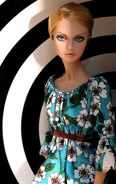 Twiggy - Peewee Parker, via Flickr - Fashion Royalty Doll