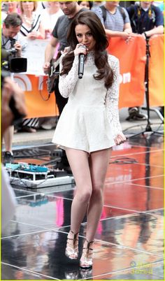 Cher Lloyd performances 2014 | Cher Lloyd goes back to brunette on The Today Show as she performs in ...