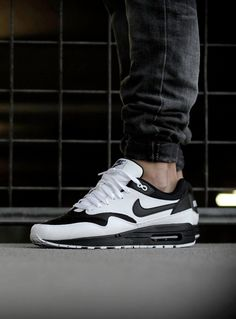 These Nike ID Air Max 1 look like stormtrooper shoes! #airmax1 #nikeID #sneakers