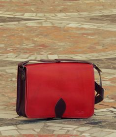 Shoulder bag Νο 3 ACCANTO Passionate red with dark brown details !!