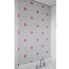 Lurca Azulejos   Azulejos Rumo no projeto da @estudio.mari.pierobon   Rumo - Ceramic Tiles // Shop Online www.lurca.com.br #azulejos #azulejosdecorados #revestimento #arquitetura #reforma #decoração #interiores #decor #casa #sala #design #cerâmica #tiles #ceramictiles #architecture #interiors #homestyle #livingroom #wall #homedecor #lurca #lurcaazulejos