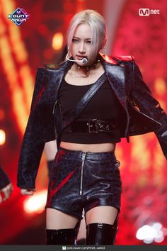 South Korean Girls, Korean Girl Groups, Lee Si Yeon, Cheap Homecoming Dresses, Fandoms, Metal Girl, Girl Bands, Beautiful Asian Girls, Pop Group