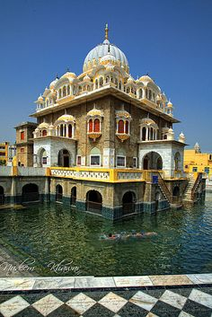 Gurdwara Panja Sahib, Hasan Abdal Pakistan has the hand print of the Guru Nanak and is of fundamental importance to Sikhs the world over.