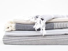 Hammam towels are a great alternative to regular bathroom towels this summer. Extremely lightweight, these towels are highly absorbent and fast drying... Prefect for additional guest towels or for a trip down the beach!