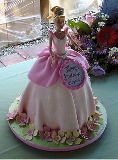 There are many different ways to make a cake, formed as a Barbie doll. Here are some great ideas, how to shape the Barbie cake and decorate Barbie's dress. Check out pictures of beautiful Barbie cakes! Barbie Torte, Bolo Barbie, Barbie Cake, Barbie Doll, Dolls, Pretty Cakes, Cute Cakes, Beautiful Cakes, Amazing Cakes