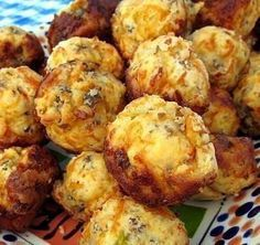 and Cheese Muffins--great for brunch or make up a bunch for breakfast to go!Sausage and Cheese Muffins--great for brunch or make up a bunch for breakfast to go! Breakfast Desayunos, Breakfast Dishes, Breakfast Recipes, Recipes Dinner, Dinner Ideas, Health Breakfast, Breakfast Healthy, Breakfast Casserole, Sausage Breakfast