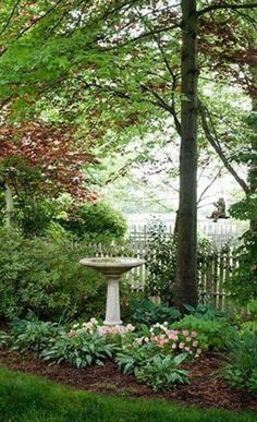 There are lots of affordable backyard landscaping ideas you can look into. For a backyard landscape upgrade, you don't need to spend so much cash to get an outdoor look that is easy and affordable. Unique Garden, Garden Cottage, Garden Living, Front Yard Landscaping, Landscaping Ideas, Shade Landscaping, Landscaping Software, Country Landscaping, Michigan Landscaping