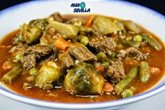 Menestra con carne y verduras Con Thermomix. Kitchen Dishes, Main Dishes, Low Carb Recipes, Cooking Recipes, Tapas, Good Food, Favorite Recipes, Beef, Chicken
