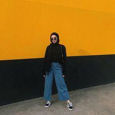 48 ideas style hijab kulot jeans hijab casual jeans 48 ideas style hijab kulot jeans Source by casual hijab Hijab Casual, Ootd Hijab, Hijab Fashion Casual, Hijab Jeans, Street Hijab Fashion, Hijab Chic, Muslim Fashion, Modest Fashion, Fashion Outfits