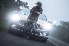 Macho Moda - Blog de Moda Masculina: Editorial Macho Moda #09 - #Híbrido - Ford Fusion Hybrid, Calça Jeans Rasgada, street style, streetwear, snapback, oversized t shirt, camiseta oversized