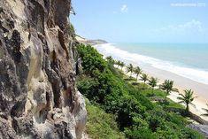 Mountainous coast around Tibau do Sul, 60 Km southern from Natal, the capital of Rio Grande do Norte, Northeastern Brazil.