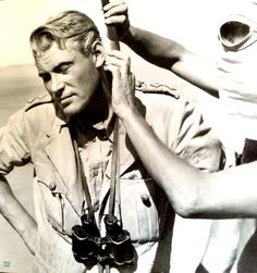 .Peter O'Toole, behind the scenes on the set of Lawrence of Arabia