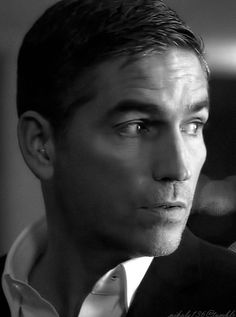 Jim Caviezel as John Reese in POI. Love this man! <3