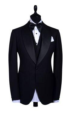 Black Suit Wedding, Wedding Suits, Modern Gentleman, Gentleman Style, Mens Fashion Suits, Mens Suits, Floral Suit Men, Prince Suit, Tom Ford Suit