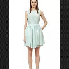 Reiss Kacie Panel Insert Dress Ice Blue Sz.4 Nwt Reiss Kacie Panel Insert Dress Ice Blue Sz.4 Retail $370 ! Brand new with tag! But it needs new zipper. Reiss Dresses Midi