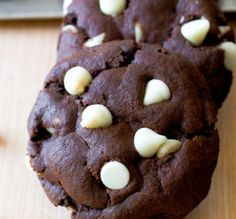Incredibly Easy Reverse Chocolate Chip Cookies, found on http://steel-cut-oats.com