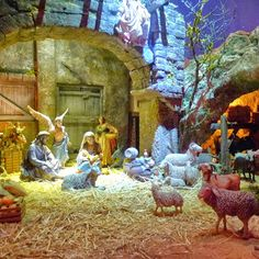 Belenes - Nativity Scenes. Follow the Belen Route to discover belenes in different parts of the city of Granada. You'll find these amazing nativity scenes in schools, churches, convents, the town hall, community halls, the cathedral and historical houses and museums. With around 65 belenes scattered all over the city it's time to get going! The figures used vary greatly, plaster of Paris, clay, wood and even porcelain. Rustic to classical Napolitan. The tradition stems from XIII century or…