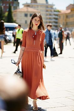 rust colored dress / Milan Fashion Week, spring-summer 2017: street style.  Part 2 (18 photos)