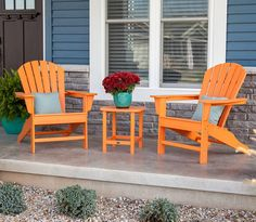 Enjoy an enchanting evening in your garden while gently swaying on this comfortable glider. POLYWOOD furniture is constructed of solid POLYWOOD lumber that's available in a variety of attractive, fade-resistant colors.