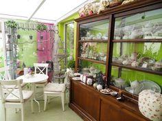Theekamer bij Vakwerk Vijlen Vanity, Mirror, Furniture, Home Decor, Dressing Tables, Powder Room, Decoration Home, Room Decor, Vanity Set