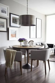Masculine Dining Room Design Inspiration - There are lots of ways to personalize a dining room. Therefore, if you want to luxuriously decorate your dining space, look at these pics for a small . by Joey Masculine Living Rooms, Masculine Room, Circular Dining Table, Small Dining, Living Dining Combo, Dining Room Inspiration, Design Inspiration, Design Ideas, Interior Desing