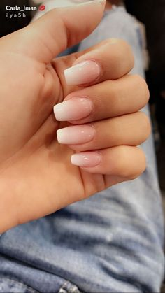 Semi-permanent varnish, false nails, patches: which manicure to choose? - My Nails Acrylic Nails Natural, Cute Acrylic Nails, Natural Nails, Cute Nails, Pretty Nails, My Nails, Glitter Nails, Shellac Nails, Holiday Nails
