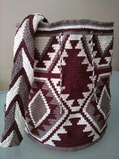 Wayuu çanta yapmasını seviyorum.
