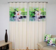 Zasłona sypialniana koloru kremowego z lilią wodną
