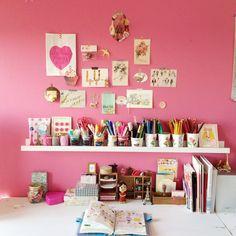 kanachさんの、ポストカード,セリア,ピンク,IKEA,文房具,パッケージ,机,のお部屋写真
