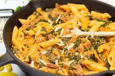 Chorizo Pasta, Paella, Thai Red Curry, Ethnic Recipes, Food, Lasagna, Essen, Meals, Yemek