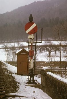 Hippsche Wendescheibe, Hemishofen, 1963 Vintage Trains, Snow, Outdoor, Outdoors, Outdoor Games, The Great Outdoors, Eyes, Let It Snow